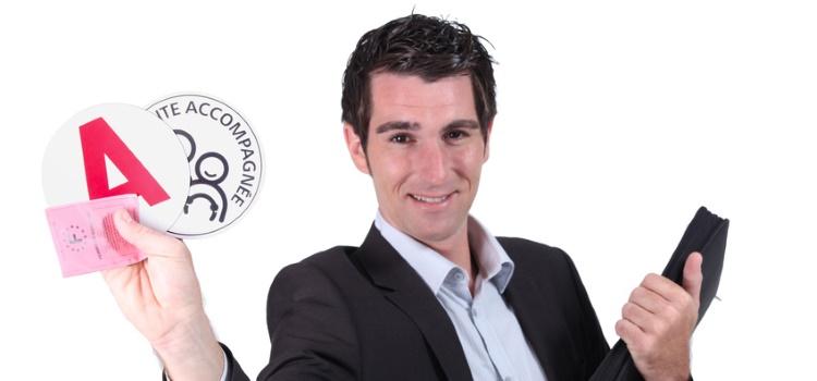 Enseignants de la conduite des plateformes en ligne : indépendants ou salariés ?